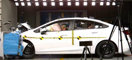 충돌안전성 별5개 `올 뉴 크루즈… 국토부 안전도평가 1등급